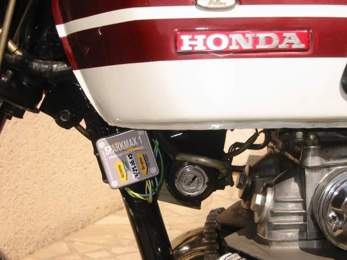 Boulons de fixation siège Honda CB 750 four K0 K1 K2 et goupilles fendues jeu F 14 F-15